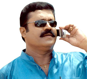 http://movies.bizhat.com/actors/img/sureshgopi_1.jpg